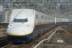 250pxjr_east_shinkansen_e4