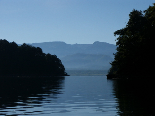 安達太良と秋元湖